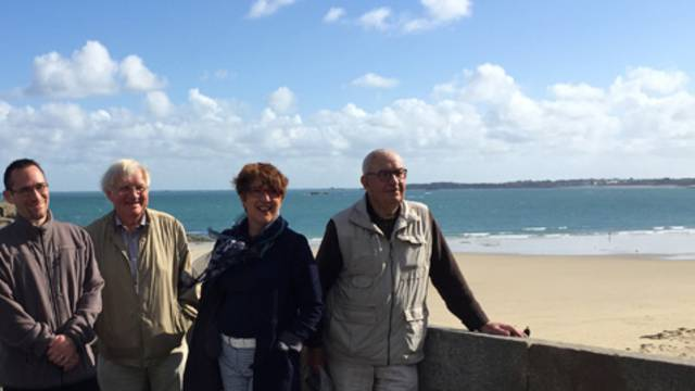 Greeters in Saint-Malo